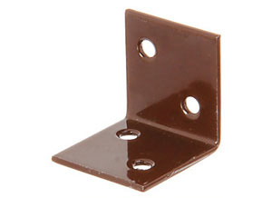 CM0670: ESCUADRA GRANDE DE CARAS IGUALES, PLASTIFICADA MARRÓN. ANGLED BRACKET, LARGE, EQUAL-SIDED, BROWN POWER COATED. ÉQUERRE LARGE, ÉGALE, PLASTIFIÉE BRUN